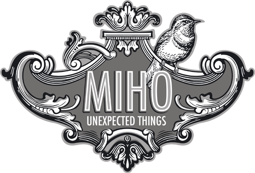 部屋をおしゃれに!マンションで海外インテリア-miho logo