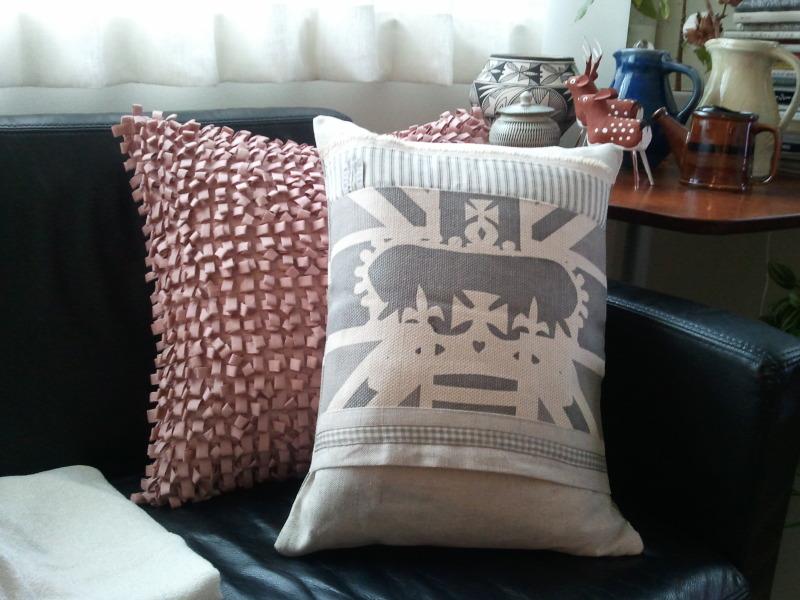 部屋をおしゃれに!マンションで海外インテリア-pillow2