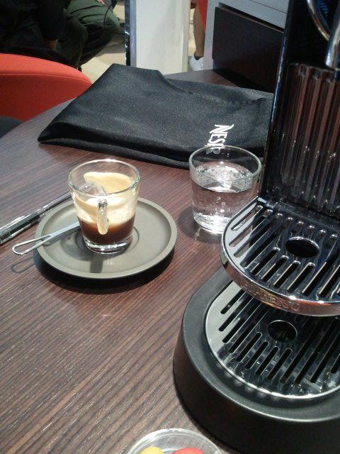 部屋をおしゃれに!マンションで海外インテリア-nespresso5