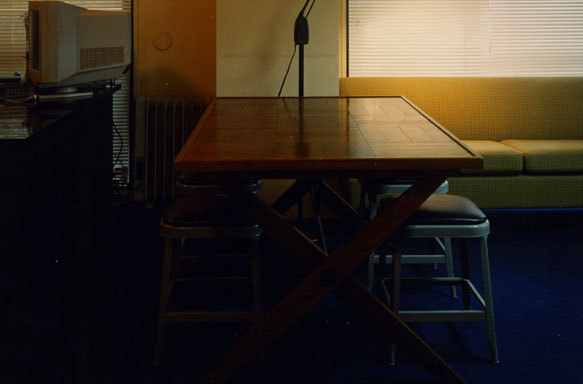 部屋をおしゃれに!マンションで海外インテリア-table 2