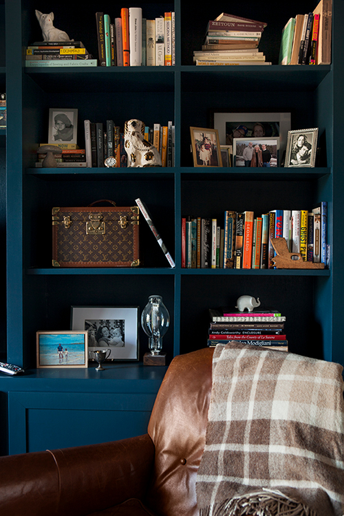 How To Paint A Bookcase Black