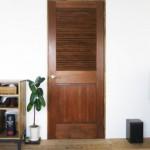 お手頃価格であこがれの木製ドアが手に入る (°∀°)b